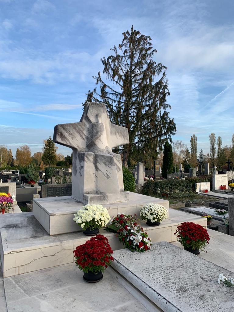 Pohod groblju